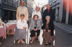 Barna til Jens Nielsenius og Ingeborg Christine i 1996 Bak fra venstre Børge, Ragna, Holger Foran fra venstre Birgitte, Inger, Rigmor